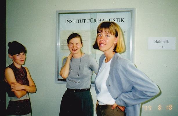 IMG_(6)_Jauno baltistu vasaras skola 1999. g. Centra - toreizeja latviesu valodas lektore Evija Liparte